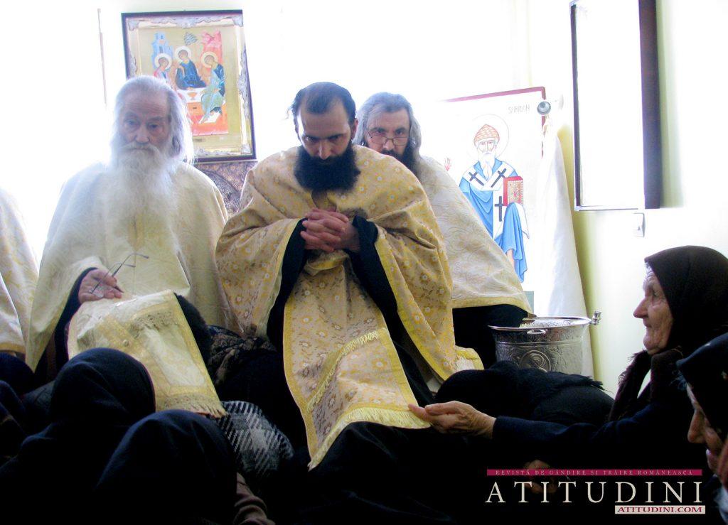 Parintele Justin _ Sf Maslu la Azilul de batrane de la Manastirea paltin Petru Voda