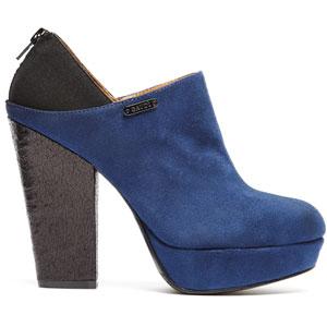 Un modello di scarpa Gaudì presentato al Micam 2013