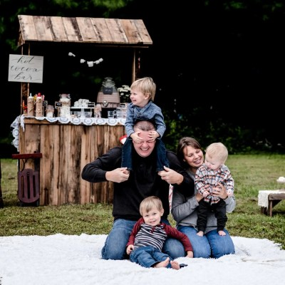 Fall Family Session Kentucky | Hot Cocoa with the Millers