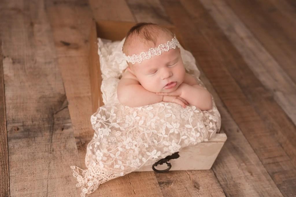 Newborn Photographer Grayson Kentucky