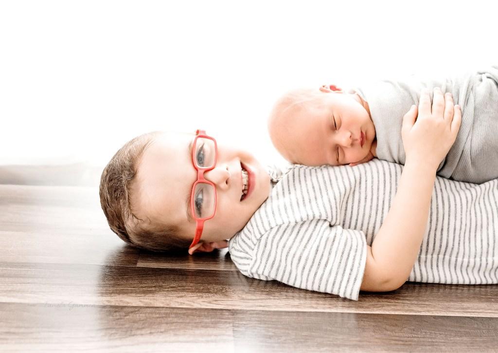 Sibling Newborn Photography Poses