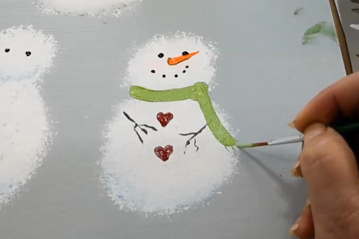 how to paint the snowman scarf details