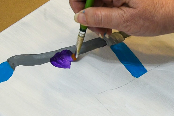 painting back petals of pansy