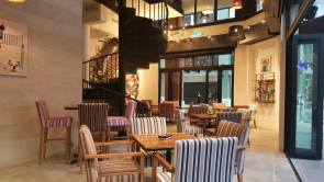 Heli Lounge Bar-02