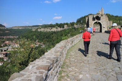Walking in with a view of the wall to the left side