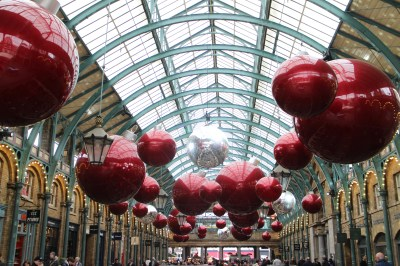 We walked to Covent Garden and saw the Christmas decorations there