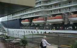 Cruiseship in Miraflores Lock