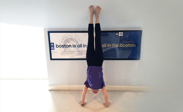 "Stage IV pancreatic cancer survivor does handstand for ""Handstands for PanCAN"" challenge"