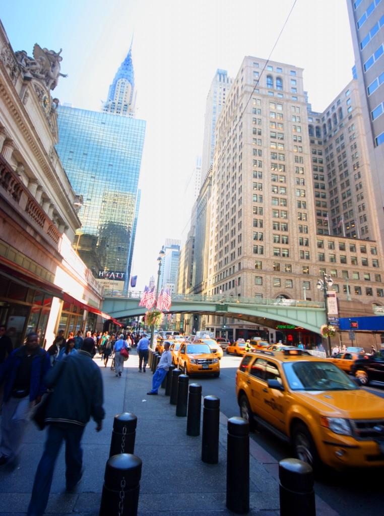 Sortie de Grand Central avec le Chrysler Building au fond
