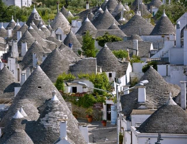 Top Ancient Towns-Alberobello2