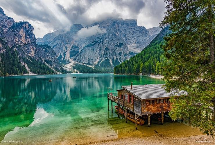 Boathouse، إلى، Lago، di، Braies، أو، Pragser، Wildsee، الجنوب، التايرول، Italy