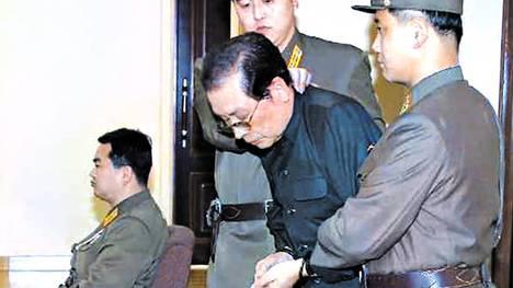 Humillado-dirigente-norcoreano-fusilamiento-AFP_CLAIMA20131214_0080_17