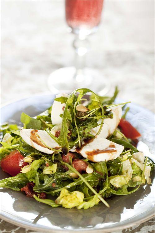 Salade tomates mozza à l'Italienne 1