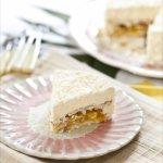 Gâteau mousse à la noix de coco, ananas et mangue, inspiré du coco'oning de Claire Heitzler. Le lundi, c'est permis!!!!