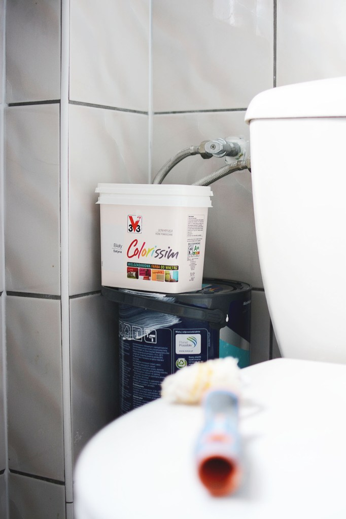Metamorfoza Mojej łazienki Malowanie Płytek Farbą V33