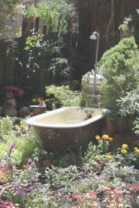 Badkar spa i trädgården