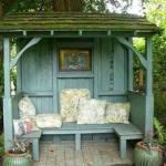 Mysig krypin-trädgårdsmöbel