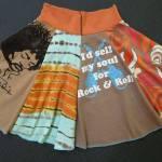 Sy en fräck kjol av gamla t-shirtsrester