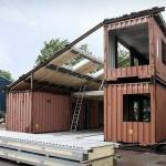 Bygga hus och använda containrar som stomme