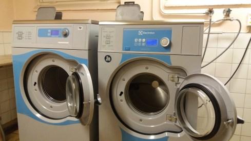 stäng inte tvättmaskinsluckorna efter dig