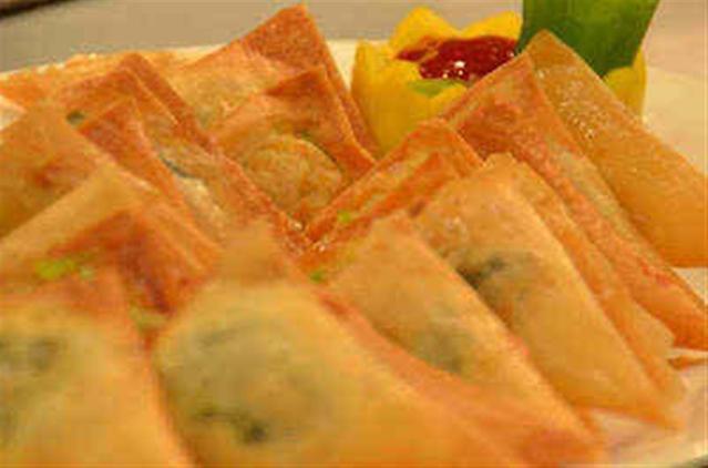 Lumpia Triangle Recipe by Chef Boy Logro | Panlasang Pinoy Recipes™
