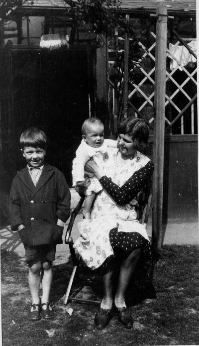 Peter, Den, Mum