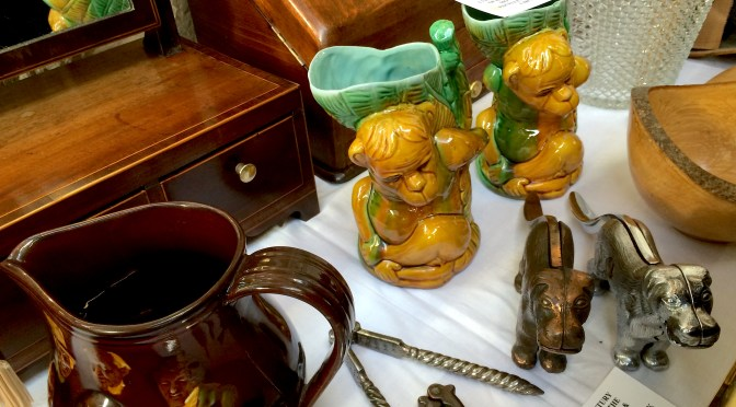 Sell your antiques on our Online Antique Store