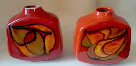 pair_square_poole_pottery
