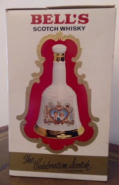 wade_bells_whisky_decanter_2