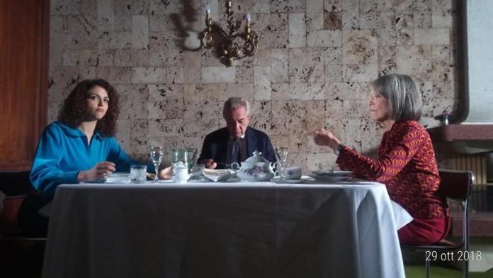 """Beatrice Aiello, Remo Girone dhe Victoria Zinny, gjatë xhirimeve të filmit """"Portreti i pambaruar i Clara Bellinit"""""""
