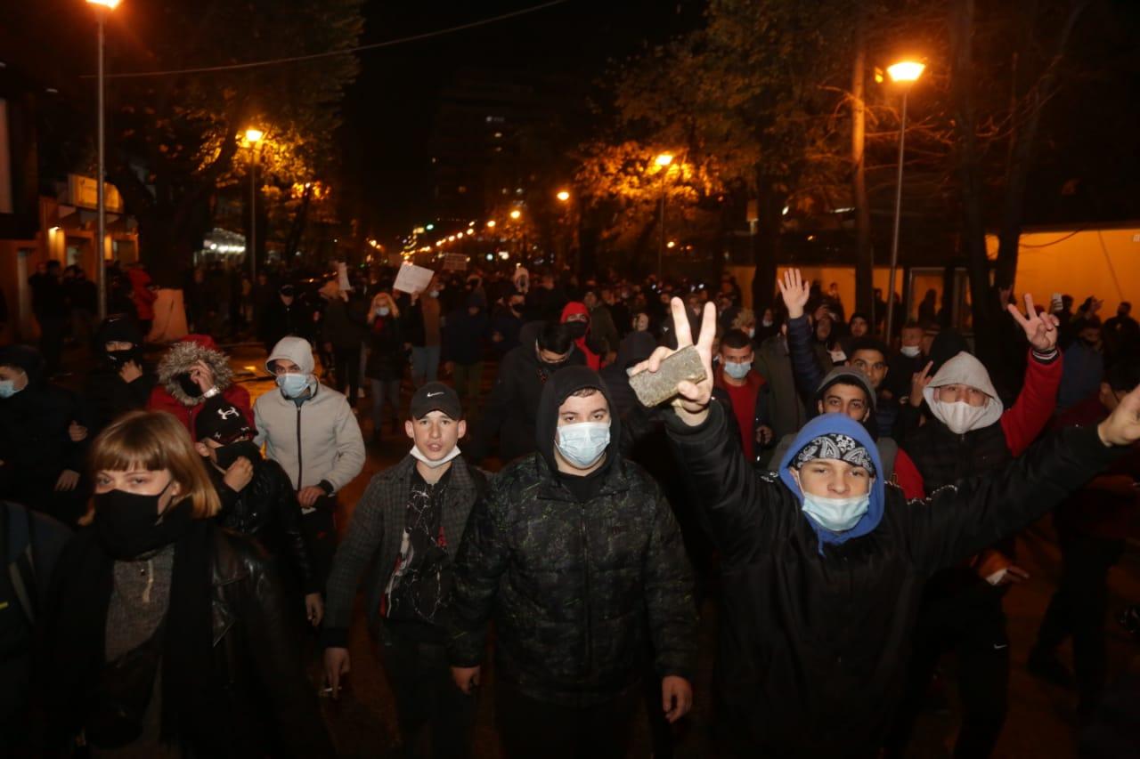 Protesta-Dhuna-Klodian-Rasha-gaz-lotsjelles-tym-policia-sulmi-shkaterrimi (11)