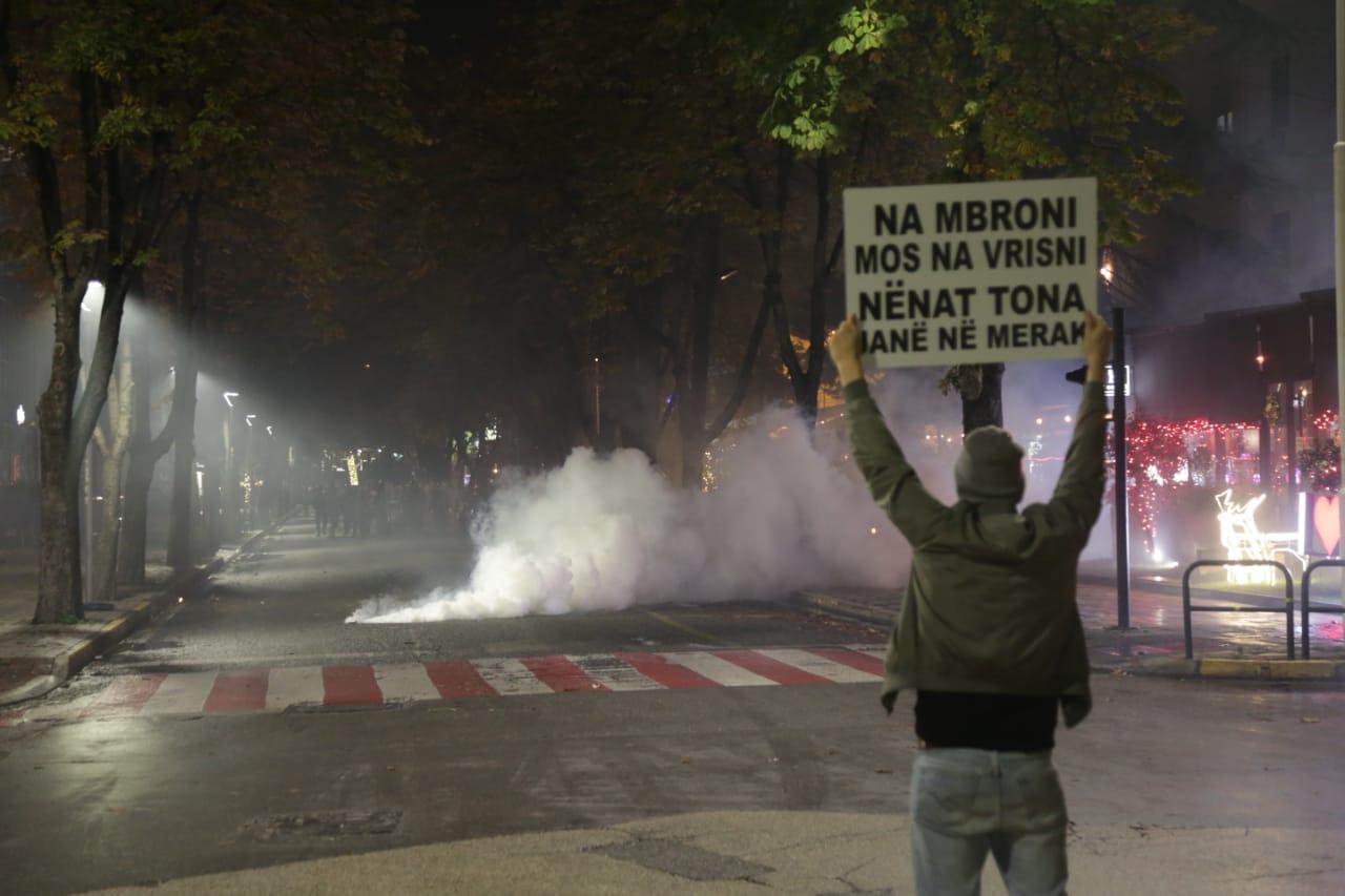 Protesta-Dhuna-Klodian-Rasha-gaz-lotsjelles-tym-policia-sulmi-shkaterrimi (16)