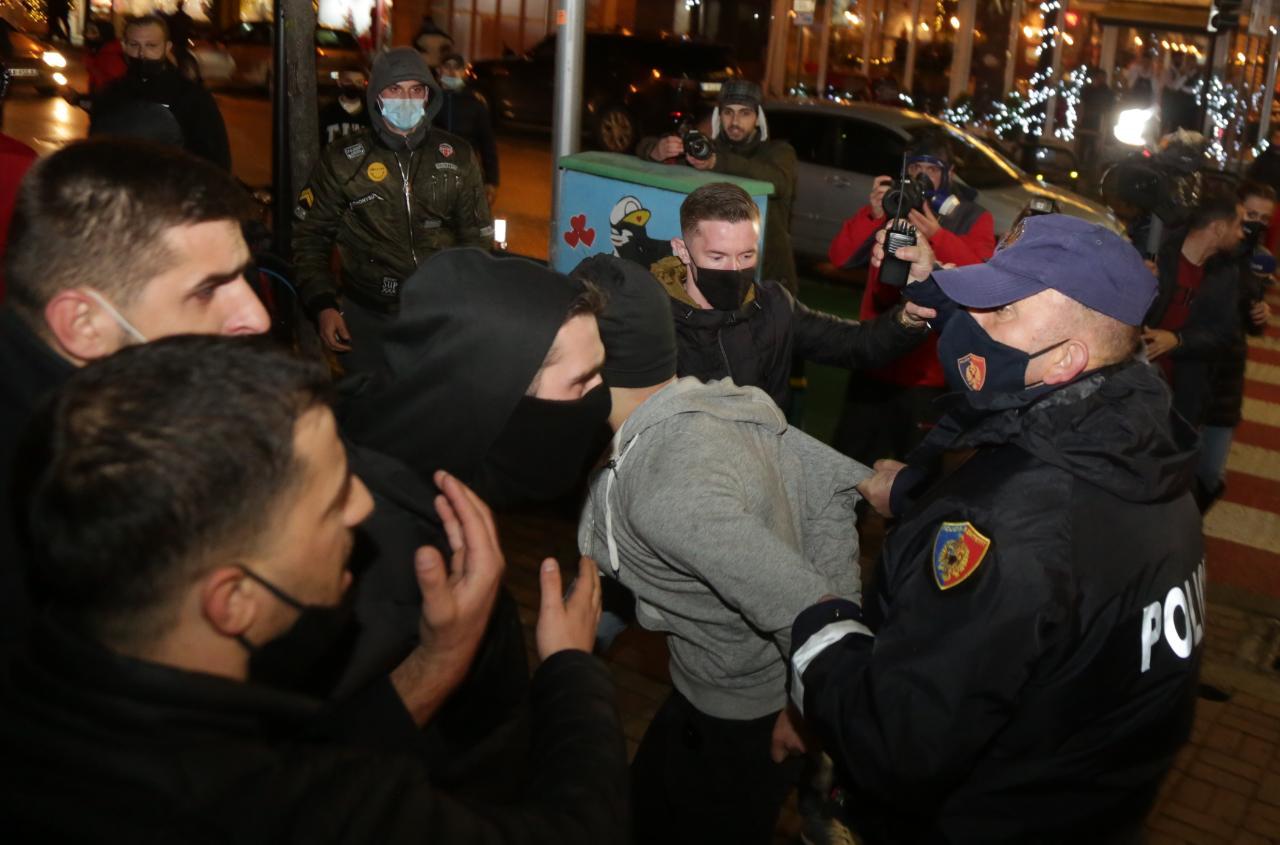 Protesta-Dhuna-Klodian-Rasha-gaz-lotsjelles-tym-policia-sulmi-shkaterrimi (25)