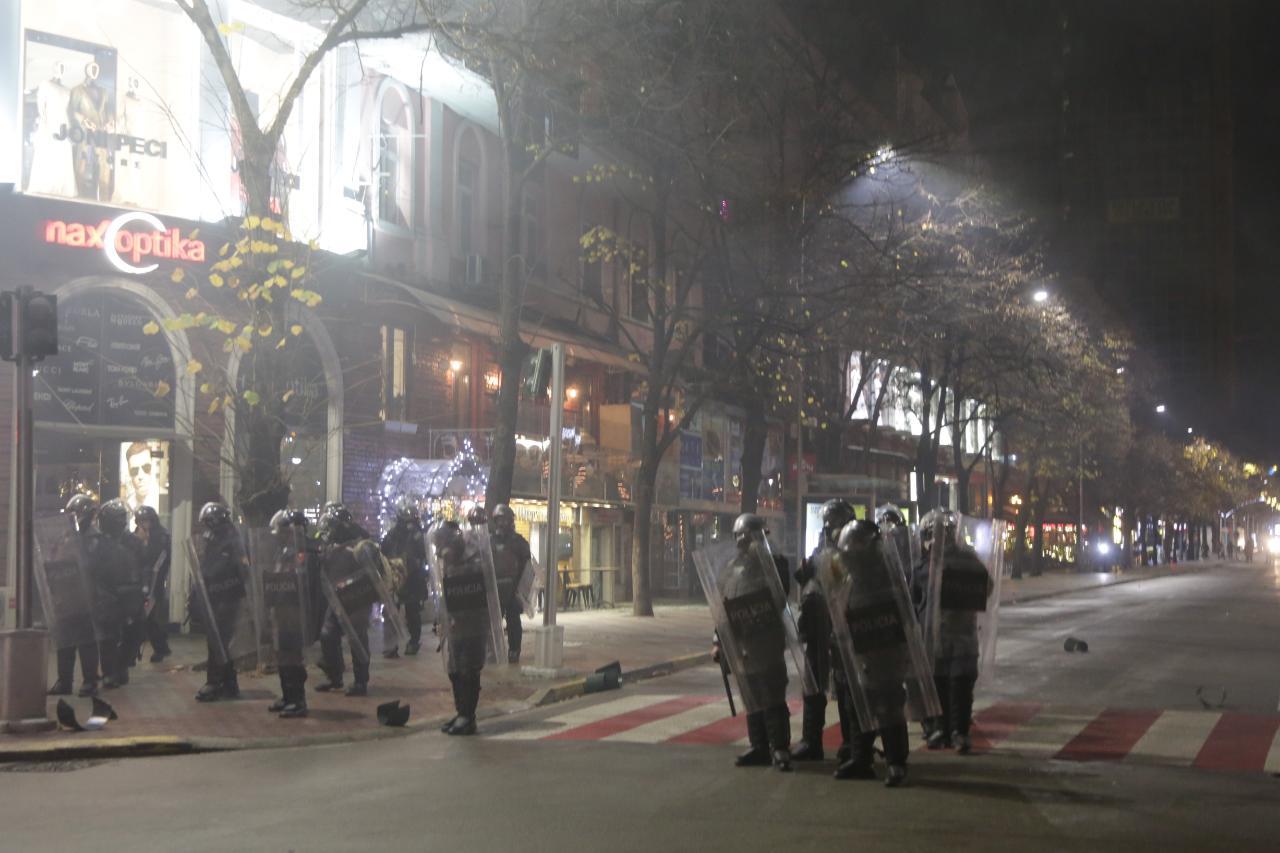Protesta-Dhuna-Klodian-Rasha-gaz-lotsjelles-tym-policia-sulmi-shkaterrimi (31)