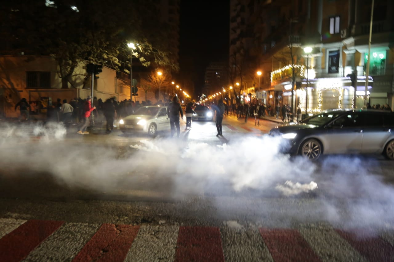Protesta-Dhuna-Klodian-Rasha-gaz-lotsjelles-tym-policia-sulmi-shkaterrimi (34)