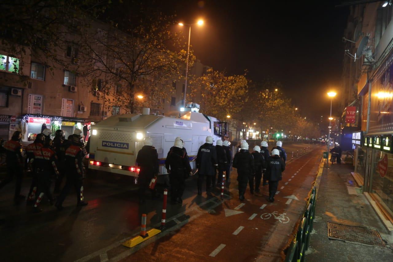 Protesta-Dhuna-Klodian-Rasha-gaz-lotsjelles-tym-policia-sulmi-shkaterrimi (53)