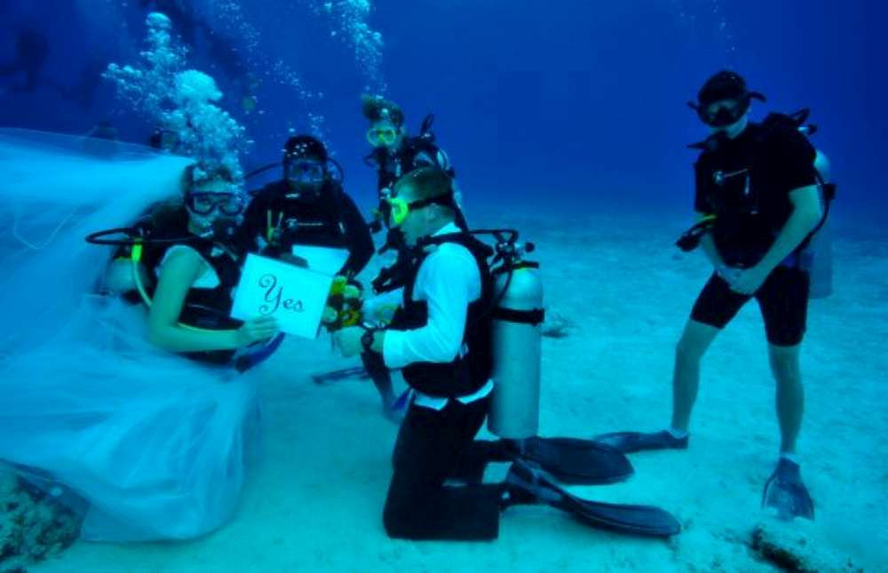 Cozumel-Mexico-underwater-wedding-1000