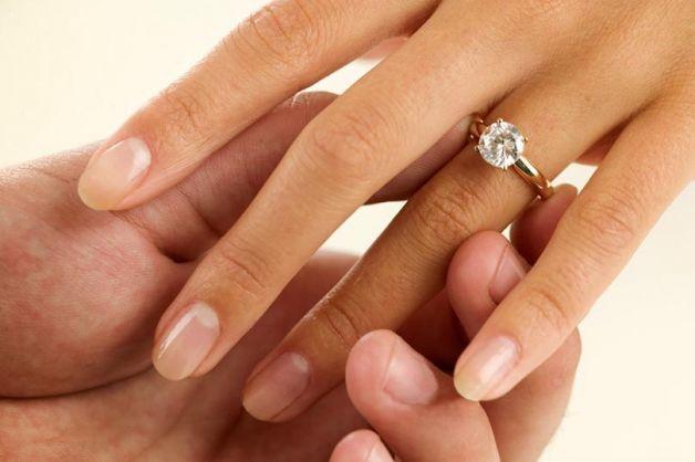 Galateo del matrimonio, il regalo della suocera