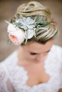 succulent-wedding-flower-crown-hairstyle