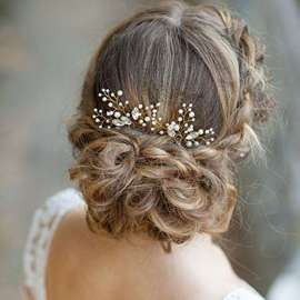 Accessorio-per-capelli-con-perline-e-cristalli