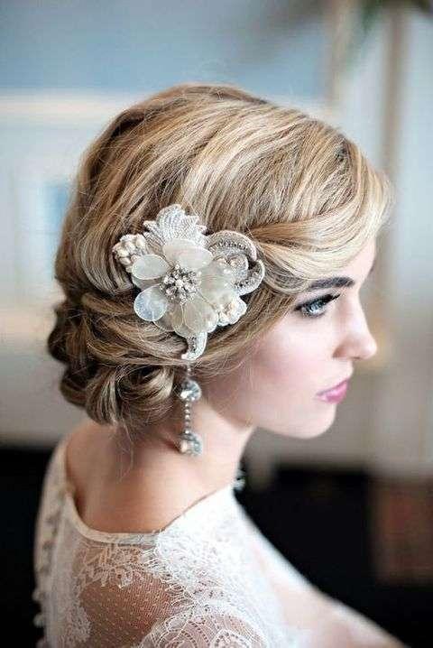 Acconciature sposa per capelli medi  le proposte 2018 - Panorama Sposi 150822c6462b