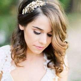 Acconciature sposa per capelli medi  le tendenze 2018. by Elisa Cornelli.  View Gallery 26 Photos. Panorama Sposi. 1. 2 36b0404f1602