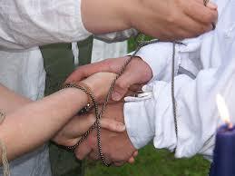 handfasting in un matrimonio scozzese