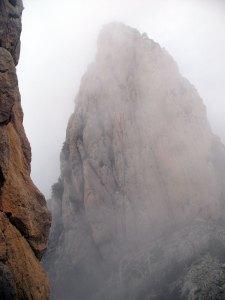 El Portell envuelto entre nubes