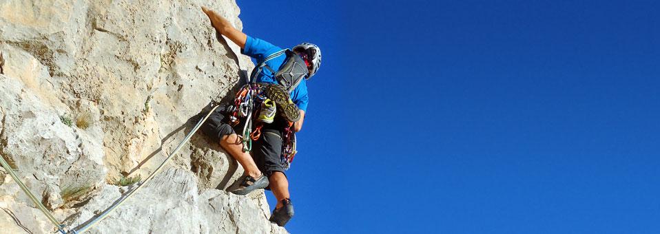 10 vías fáciles de escalada clásica en Alicante que no deberías perderte