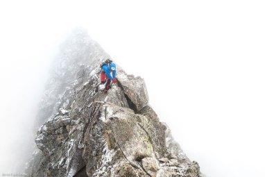 Avanzando por la cresta