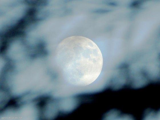 Una de las tres super lunas de 2016 desde el Maigmó