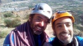 Oscar y yo después de escalar la vía Teo en la Pared Negra de Orihuela
