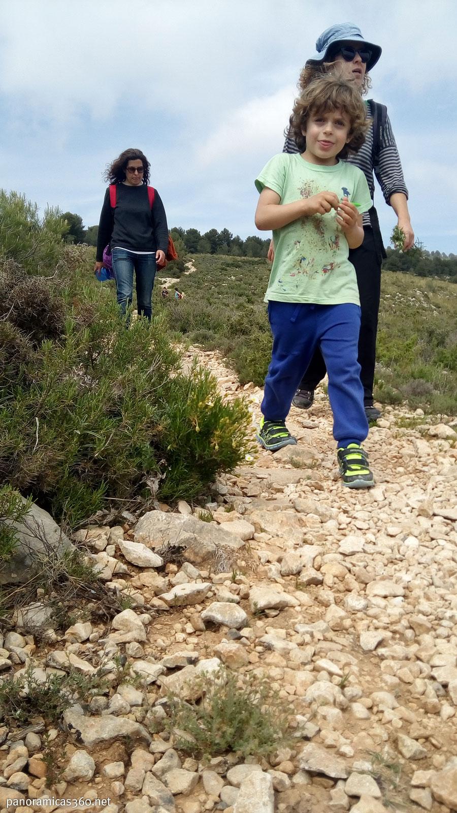 Senderismo con niños en Ibi. Mateo, un montañero con gran futuro
