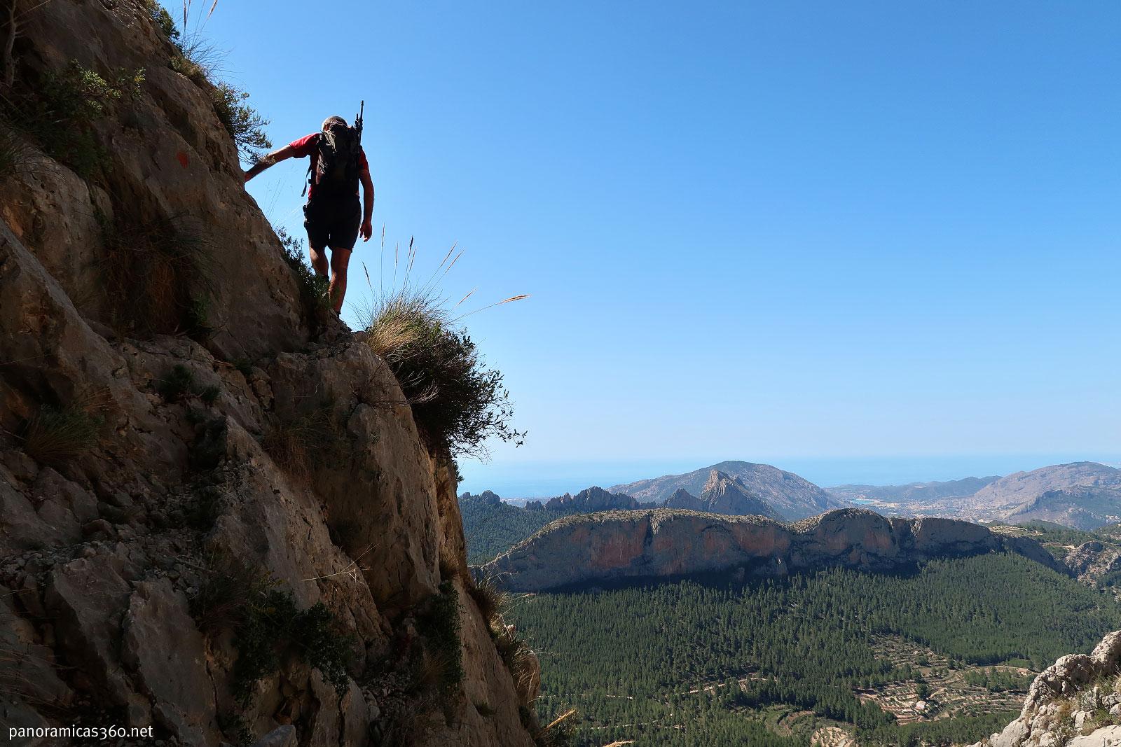 Romero en una de las trepas para subir al Peñón Divino